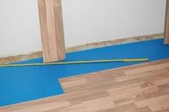 Bei Renovierung Laminat auf Teppich verlegen
